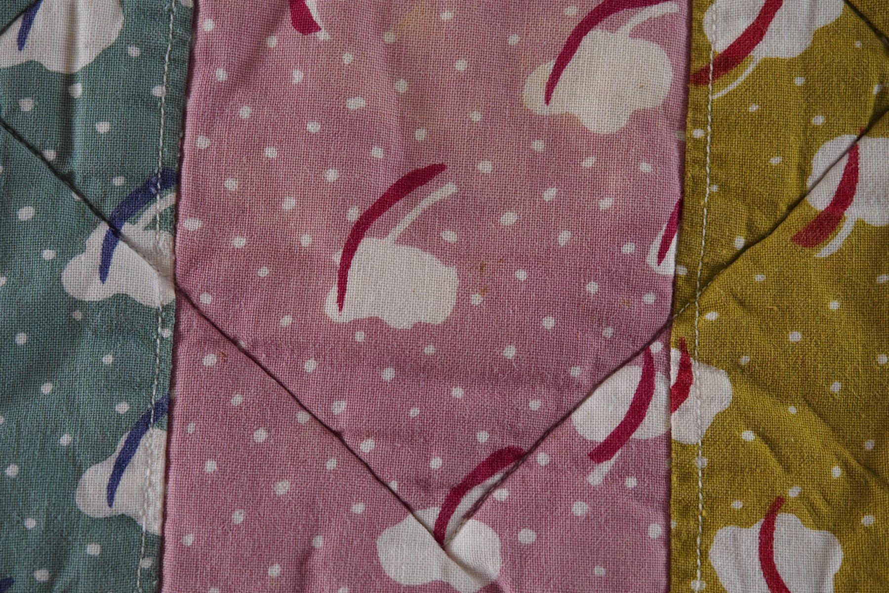 """""""Svansar"""" textilmönster, eget tryck 1970."""
